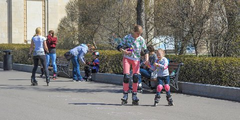 Roller skating lessons in Izmailovsky Park
