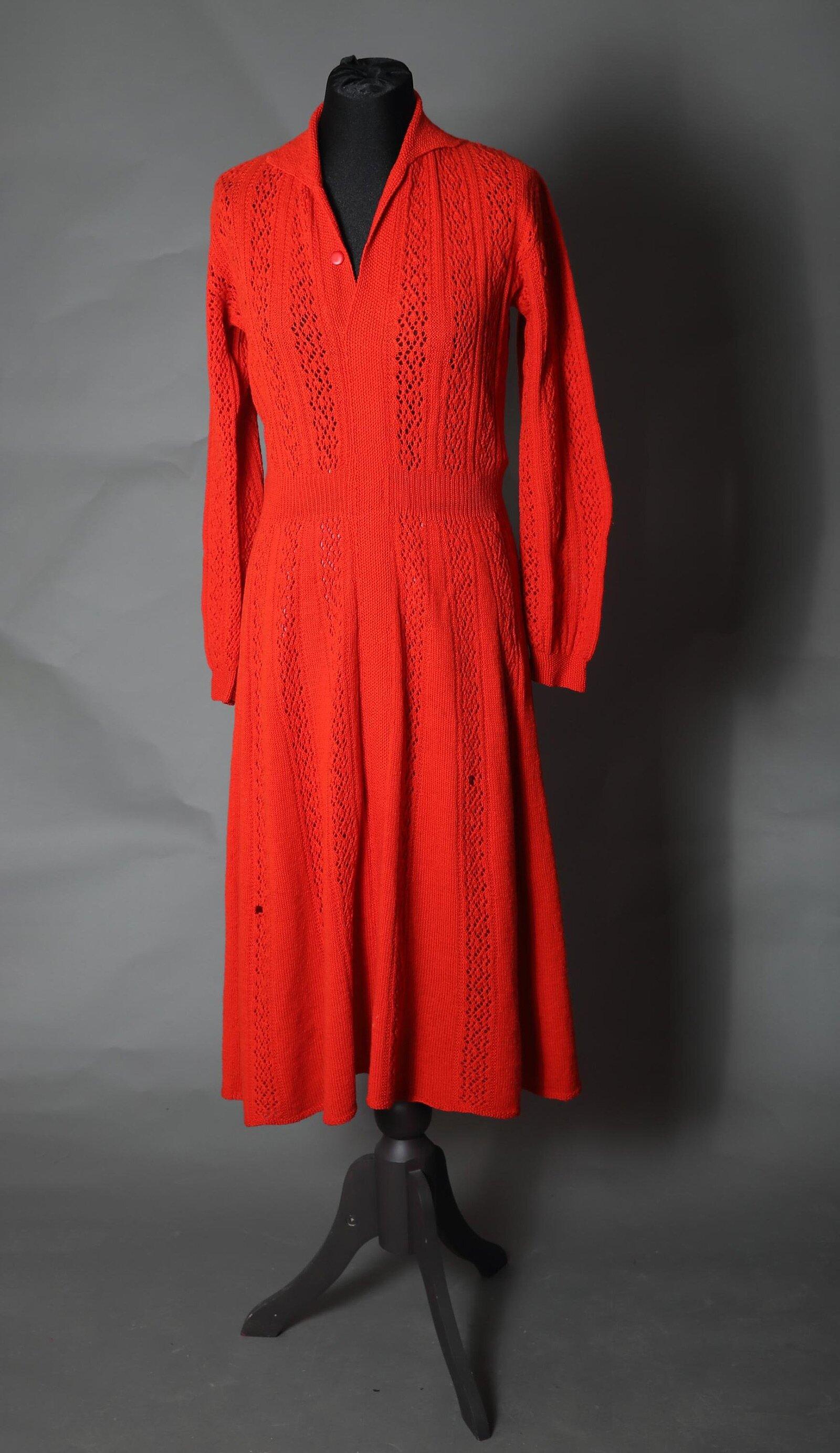 Платье из шерсти. Музей моды