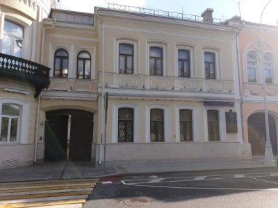 Изящная лепнина, резные двери и своды «Монье»: утвержден предмет охраны дома на Рождественском бульваре