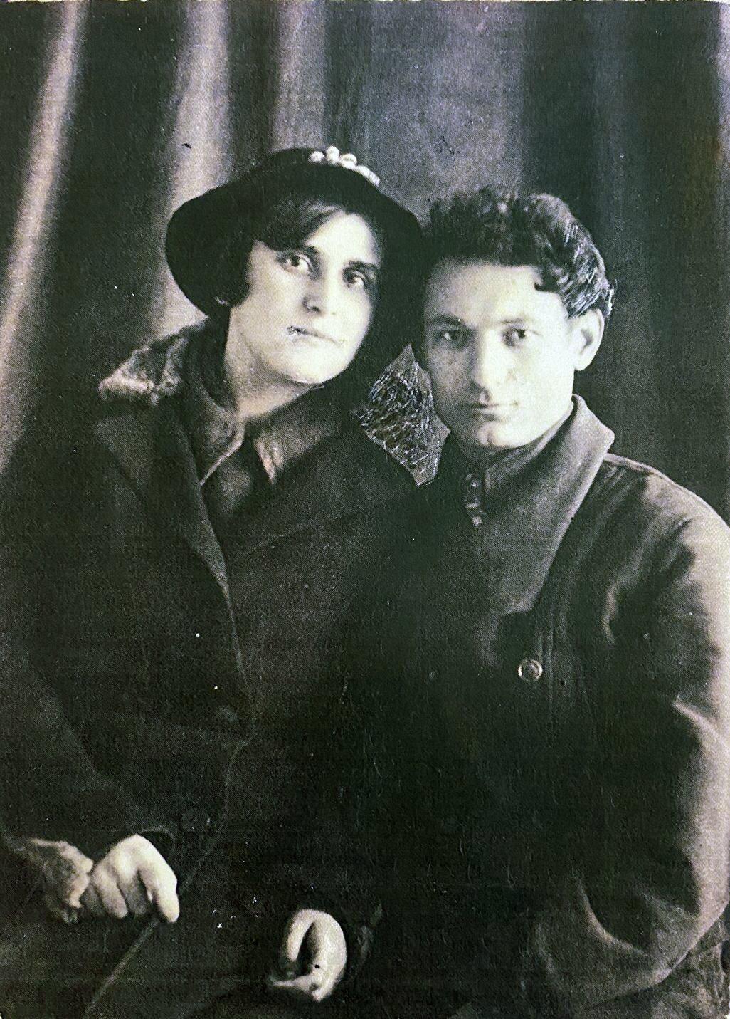 Людмила Татьяничева и Николай Смелянский. Главархив Москвы