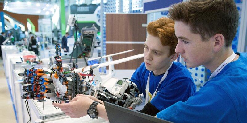 Московских школьников приглашают принять участие в олимпиаде по робототехнике