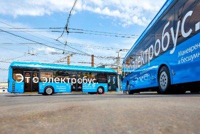Электробусы вышли на новый маршрут на западе Москвы