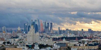 Гроза и сильный ветер: в Москве ухудшится погода