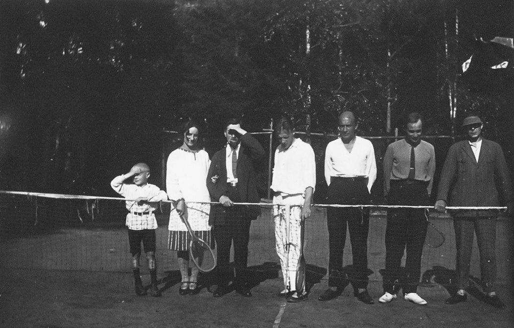 Михаил Булгаков на даче у Понсовых. 1926 год. Музей М.А. Булгакова