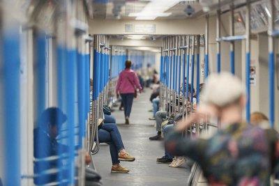 На фиолетовой линии метро пройдет эксперимент по снижению тарифов вне часа пик