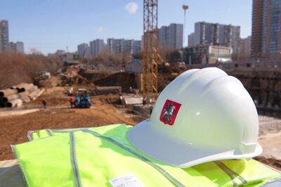 В Москве протестировали умный костюм строителя