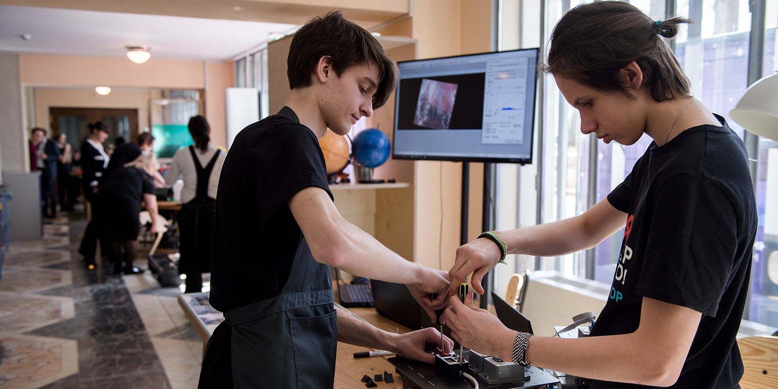 Все о детских технопарках: инструкция для родителей московских подростков