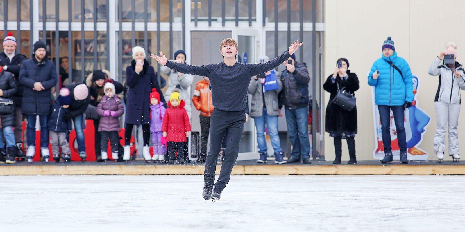 Танцы на льду: в каких парках Москвы начали работать школы фигурного катания