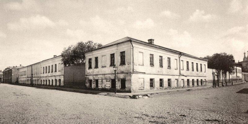 Что скрывал подвал ночлежки XIX века: новые находки археологов в центре Москвы