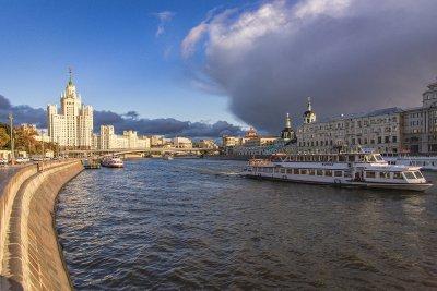 Гроза и шквалистый ветер ожидаются в Москве