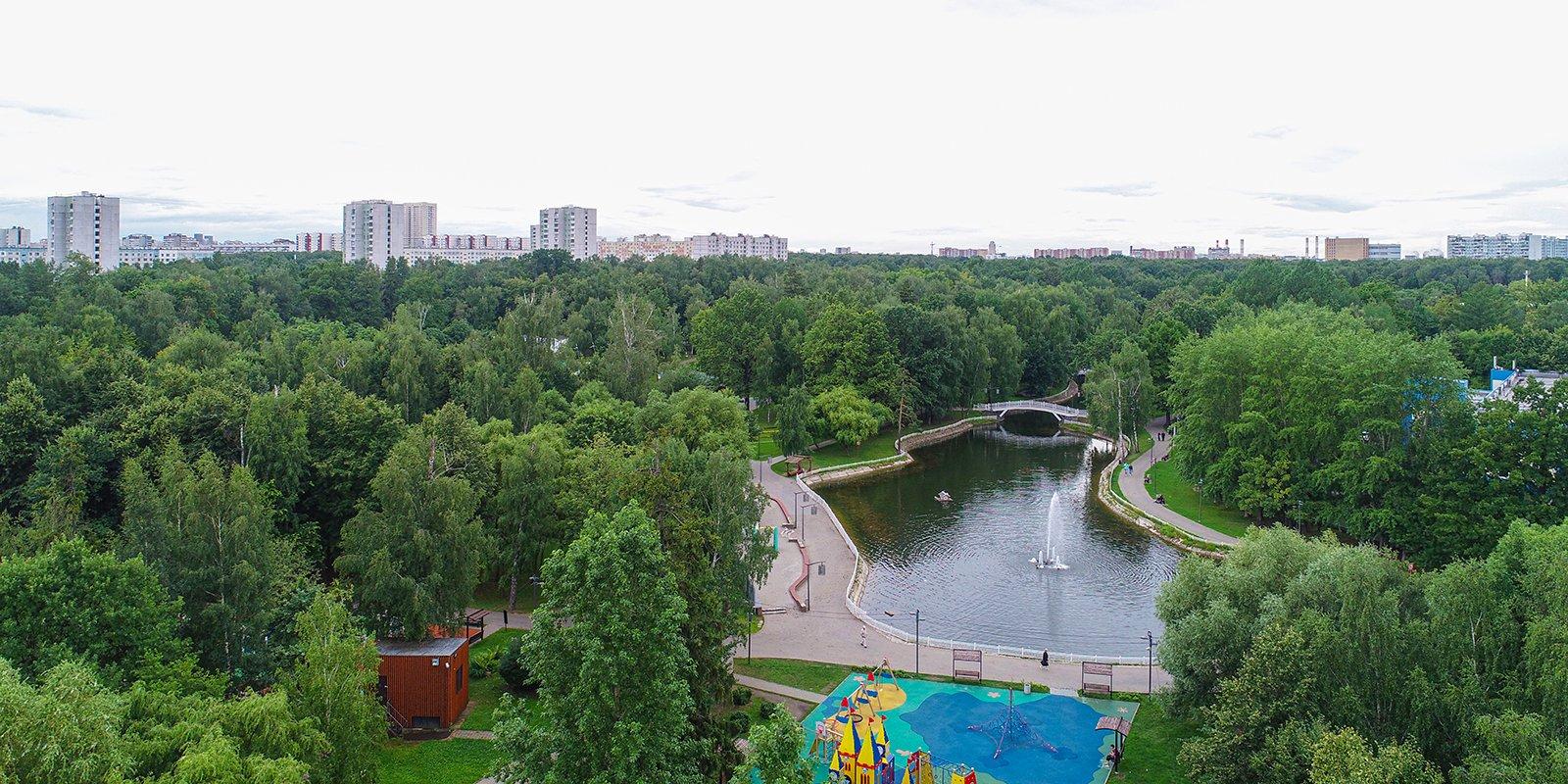 Благоустроенные парки, дороги и метро: какими становятся Дмитровский район и Лианозово
