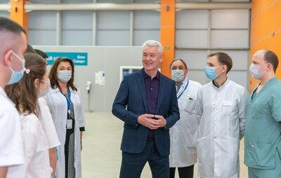 Сергей Собянин встретился со студентами-медиками