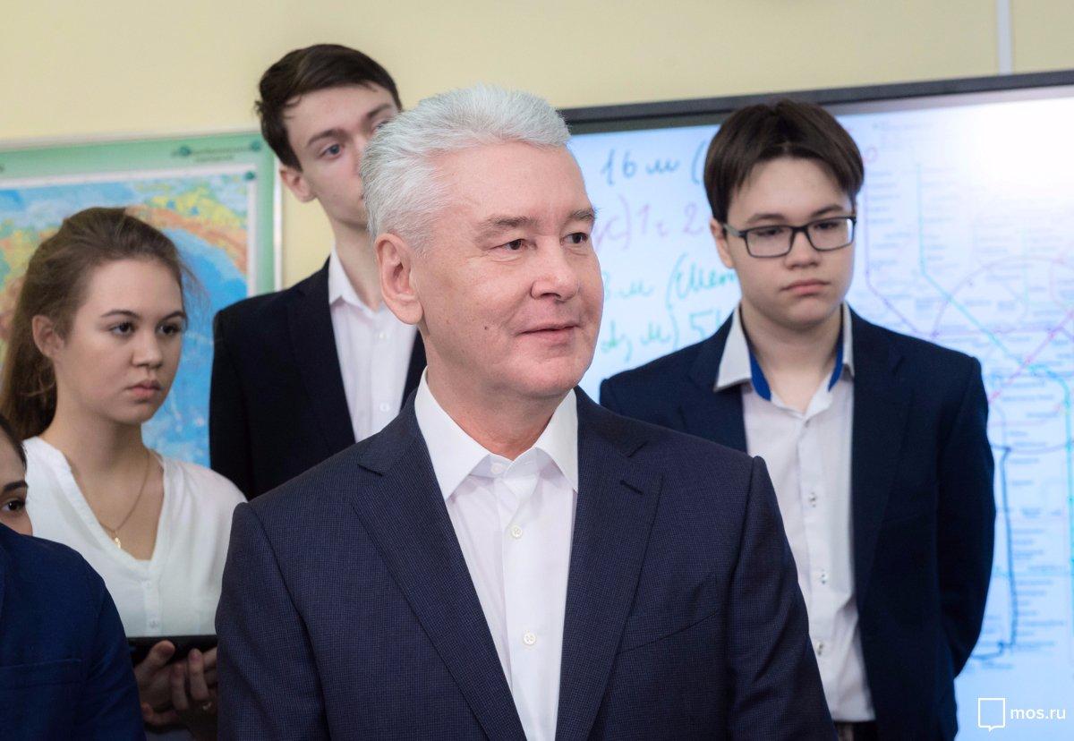Посещение школы № 627 имени генерала Д.Д. Лелюшенко. Официальный сайт Мэра Москвы